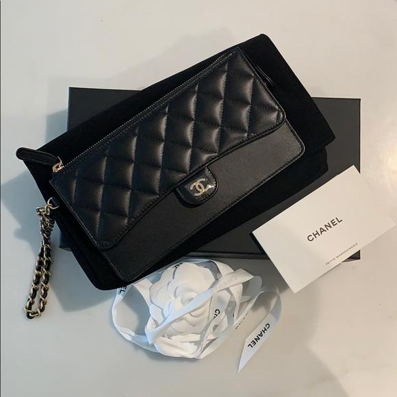 CHANEL Handbags - Chanel Wristlet Clutch
